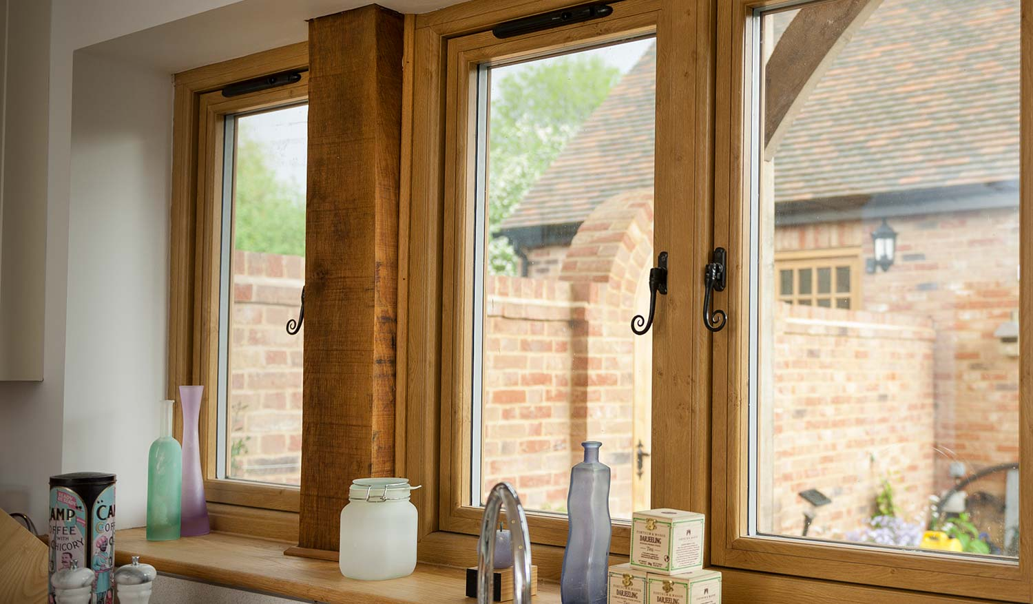 Flush sash upvc window that looks like an oak window